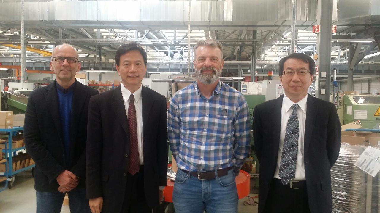 谷代表瑞生拜訪瑞士高端自行車零組件製造商DT Swiss AG公司