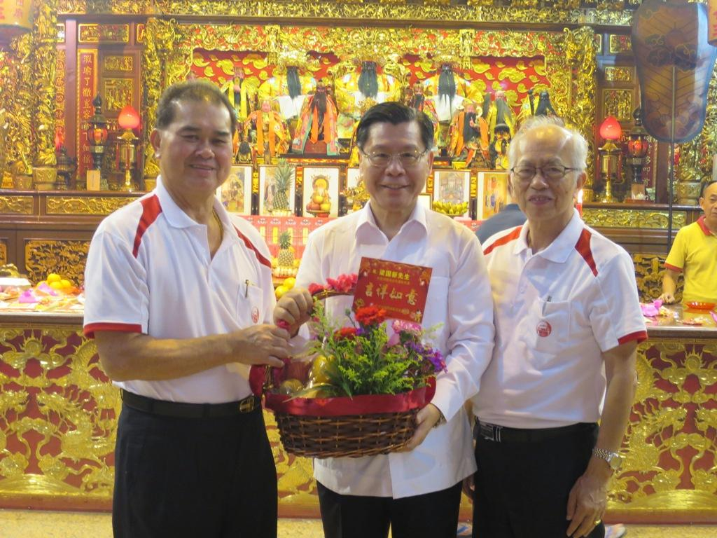 Representative Francis Kuo-Hsin Liang Attends Lorong Koo Chye Sheng Hong Temple Association's Spring Festival Light-Up cum Temple Fair Opening Ceremony