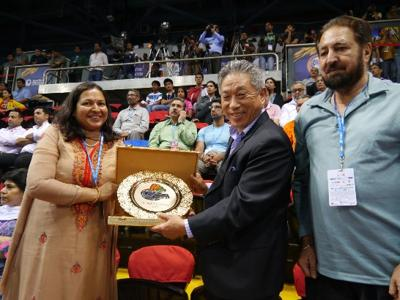 Amb. Tien Chung-Kwang attended the Yonex Sunrise India Open 2014 and cheered up Taiwan delegates