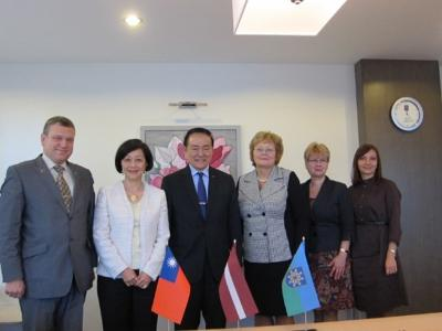The Head of Taipei Mission in the Republic of Latvia, Ambassador Gary Ko, and Madame Ko visited Saldus
